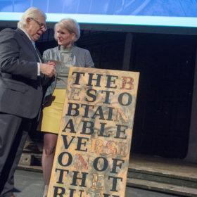 """Carl Bernstein, Barbara Pacholik, """"The best obtainable version of the truth"""" Statement Carl Bernsteins, JT17, Atelierhaus der bildenden Künste Wien, Foto: Christian Müller"""